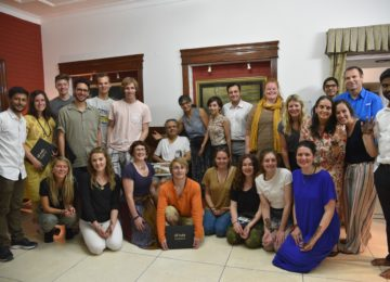 The hardest part is saying goodbye! Farewell at an Indian home (complemented by a mouth-watering meal!)