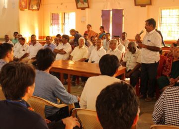 The farmers of Uchat village address our participants to share their daily routines and challenges