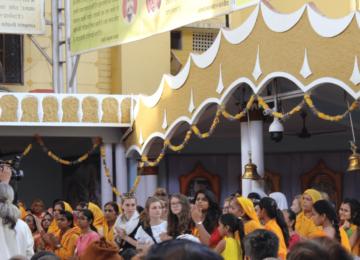 Attending a Hindu ritual at All World Gayatri Pariwar, Shanti Kunj, Haridwar