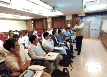 Lecture on 'Doing Business in India' by Mr. Anil Sachdev, founder and CEO of School of Inspired Leadership, at HR College, University of Mumbai.